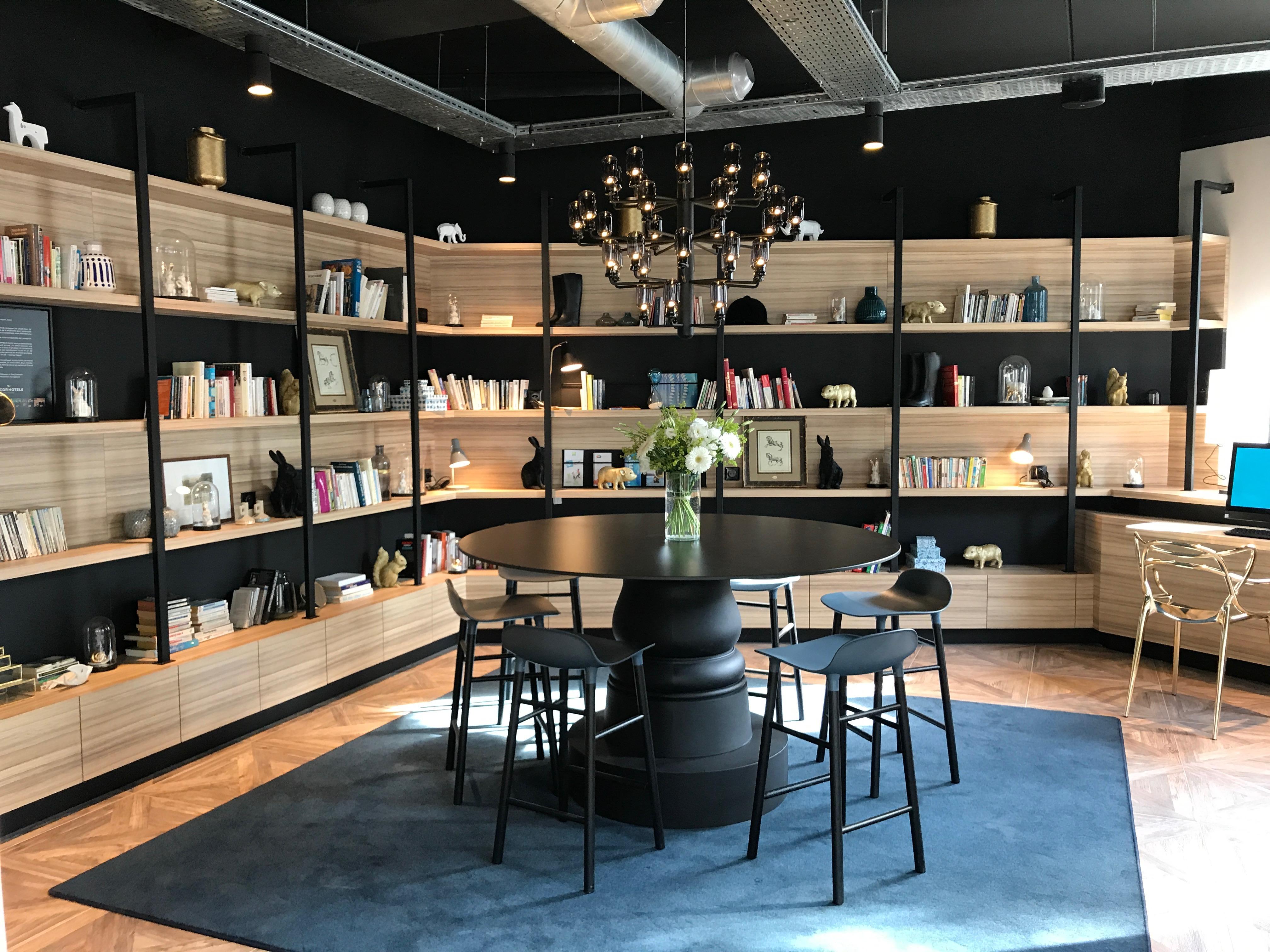 option d 39 interieur la rochelle. Black Bedroom Furniture Sets. Home Design Ideas