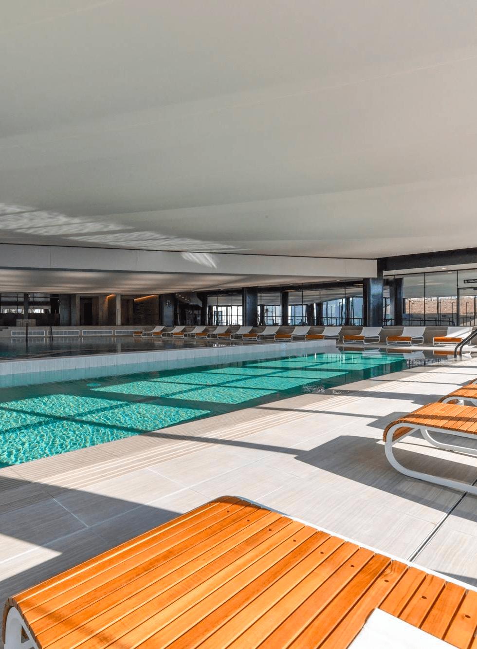 Décoration et aménagement d'une piscine spa