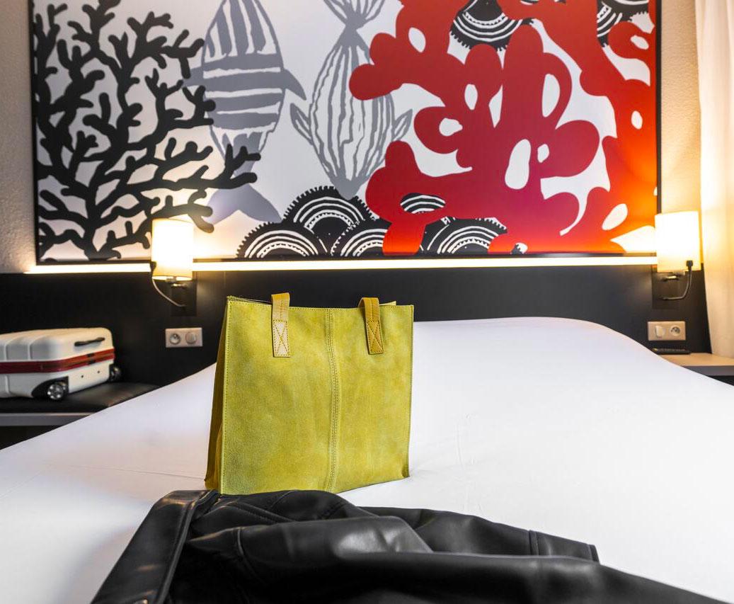 Ameublement, décoration et changement d'enseigne pour l'hôtel Styles de Saint-Brieuc