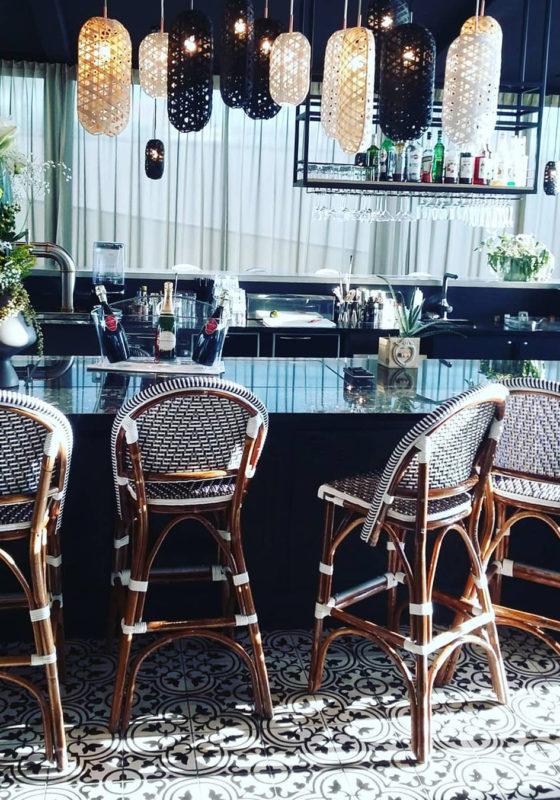Rénovation et décoration de l'espace bar