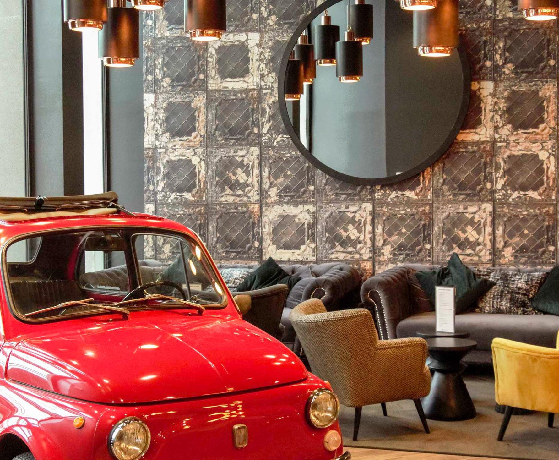 Rénovation et décoration de l'hôtel Ibis du Mans sur le thème des 24h du mans