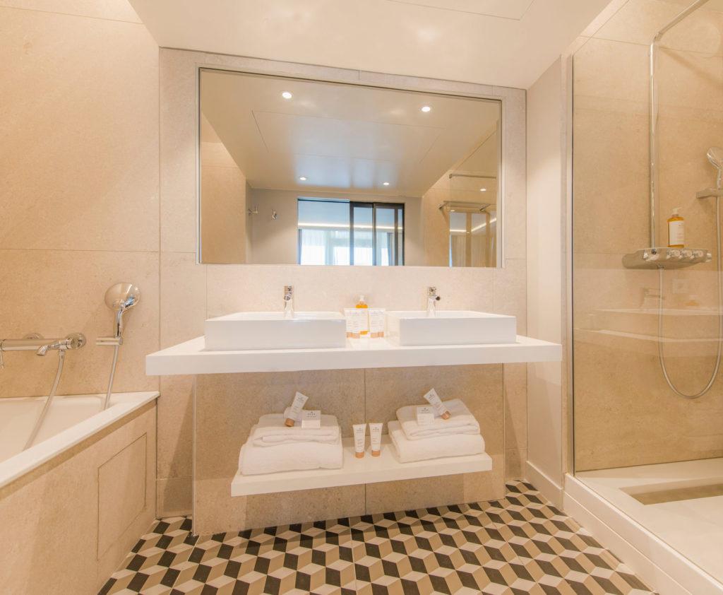 Rénovation et décoration des salles de bain de l'hôtel La Grande Terrasse