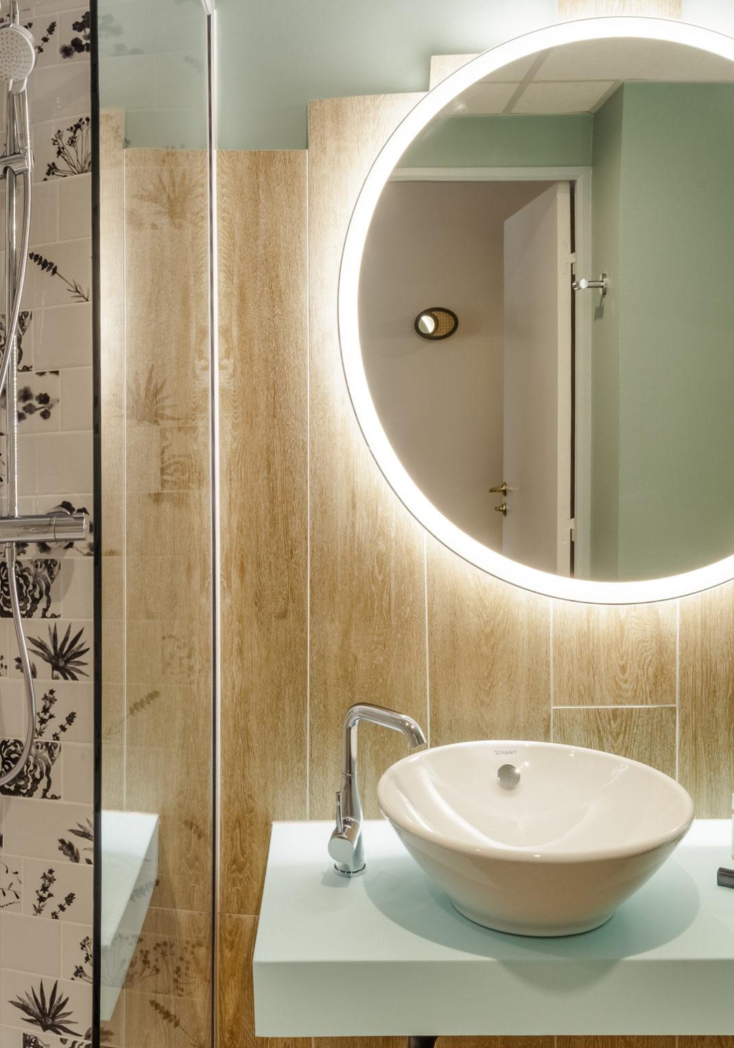 Décoration des salles de bain de l'hôtel Mercure d'Orléans