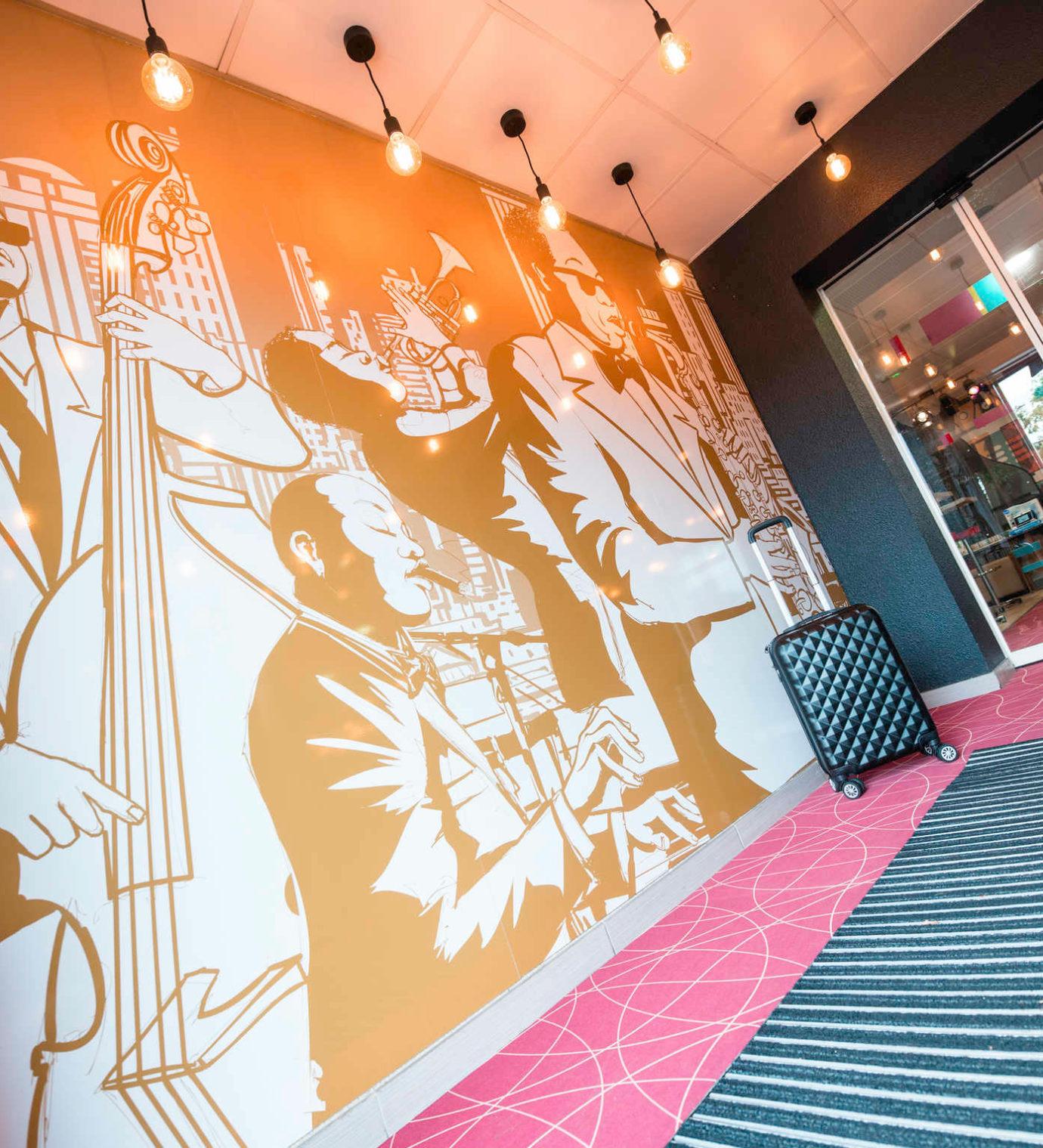 Une décoration sur le thème du Jazz pour l'hôtel Ibis Styles de Toulouse Blagnac