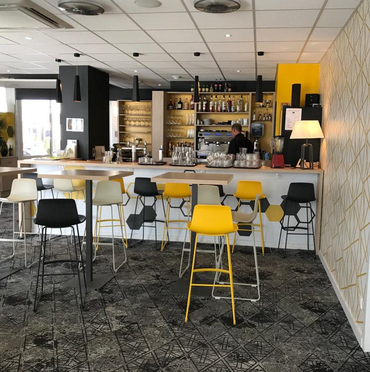 Rénovation de l'espace bar de l'hôtel Ibis Styles de Poitiers Nord