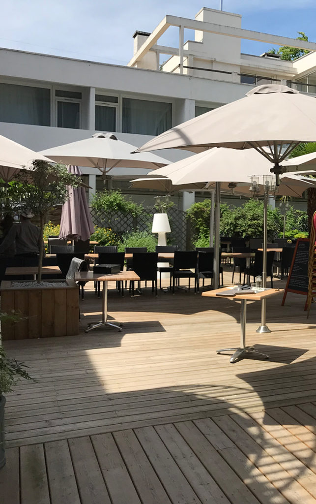 Rénovation de la terrasse extérieure de l'hôtel Ibis Styles de Poitiers Nord