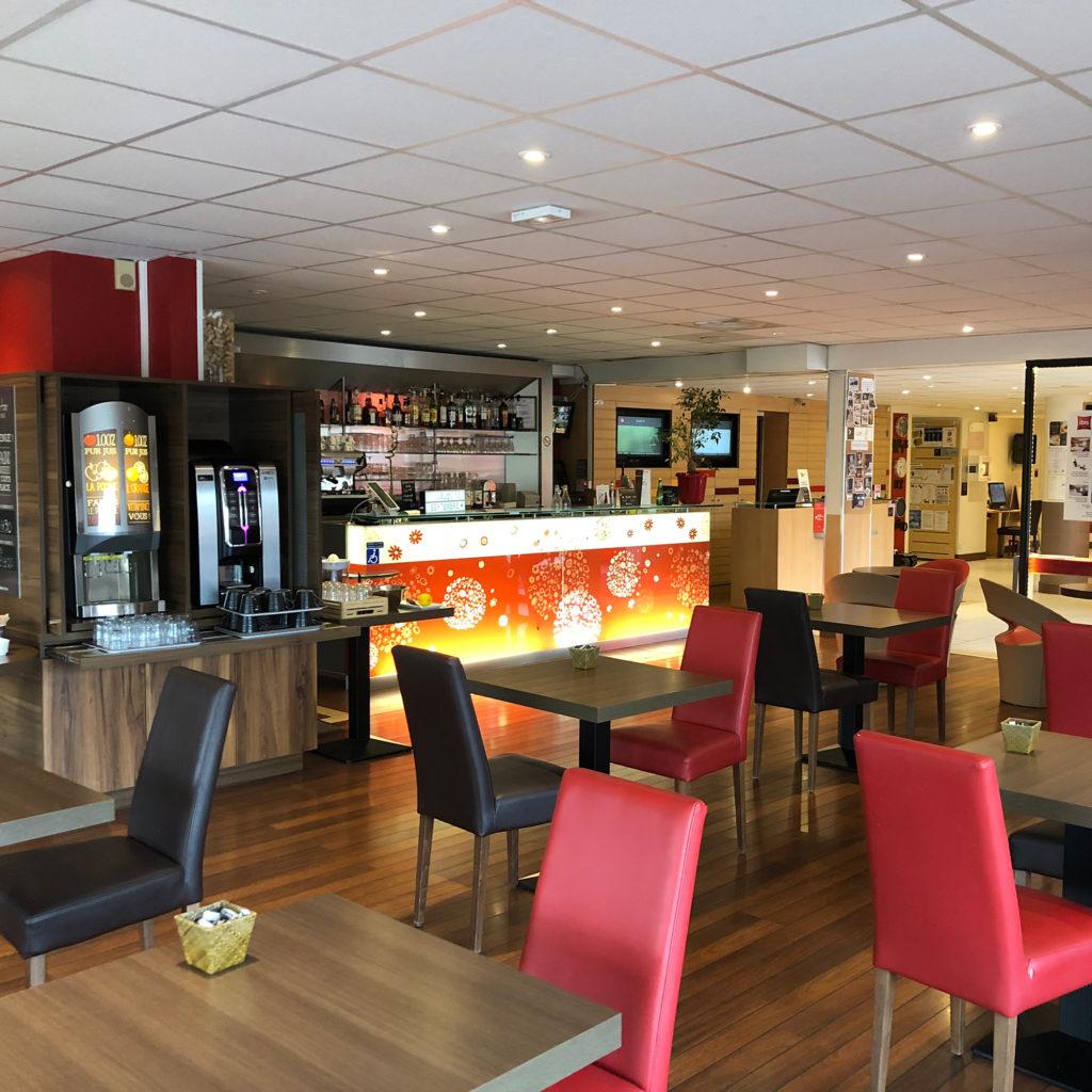 Ancien espace bar de l'hôtel Ibis de Dijon Sud