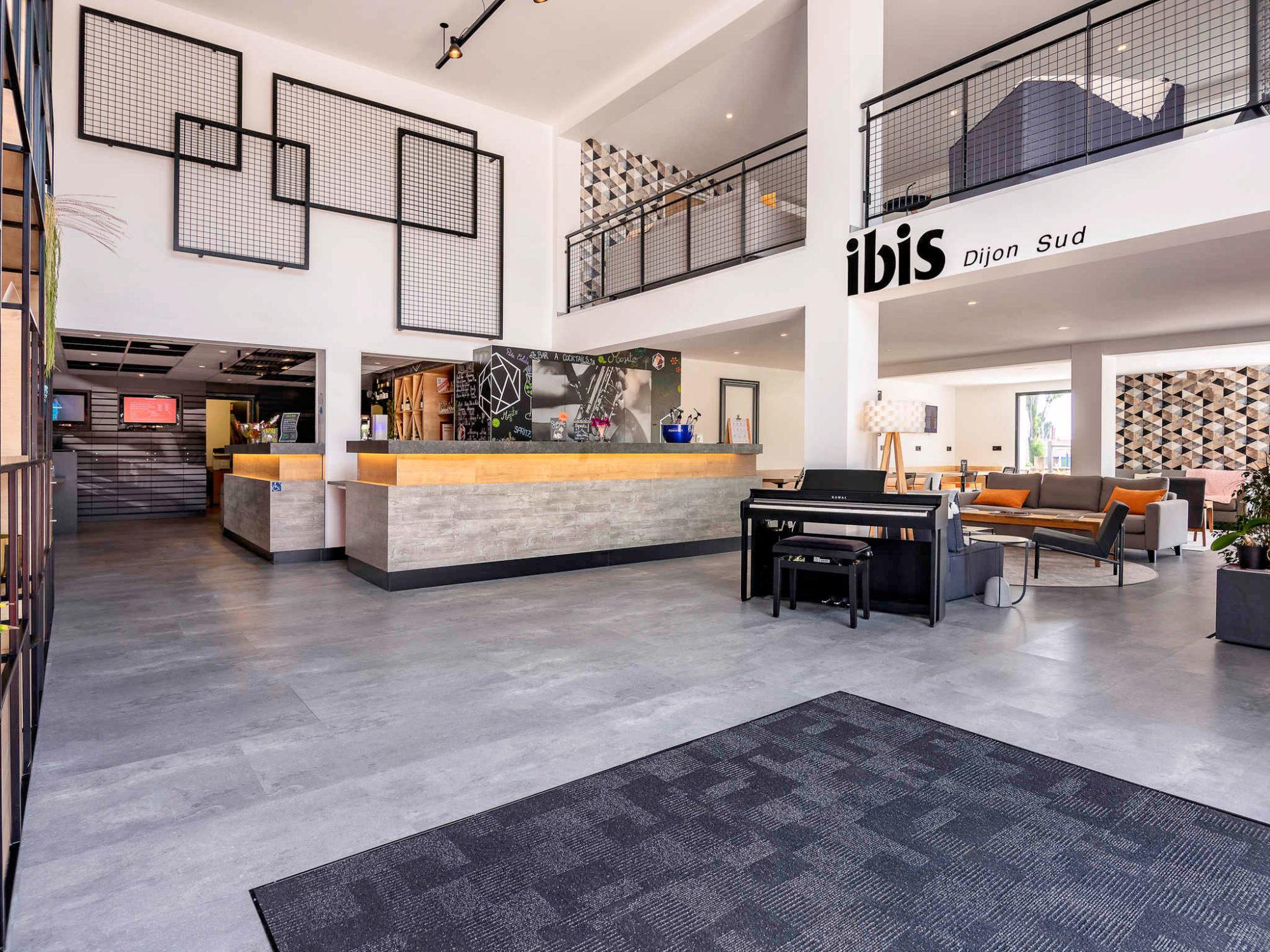 Projet de rénovation et d'agencement de l'hôtel Ibis de Dijon, réalisé par l'agence Option d'Intérieur en 2020