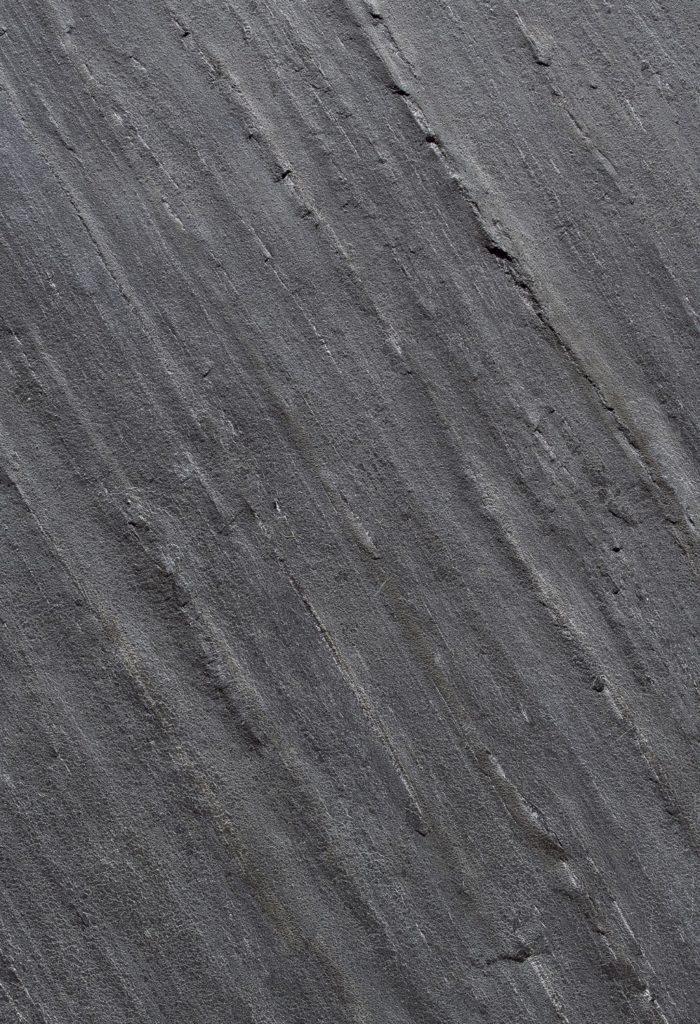 Feuille de pierre noire