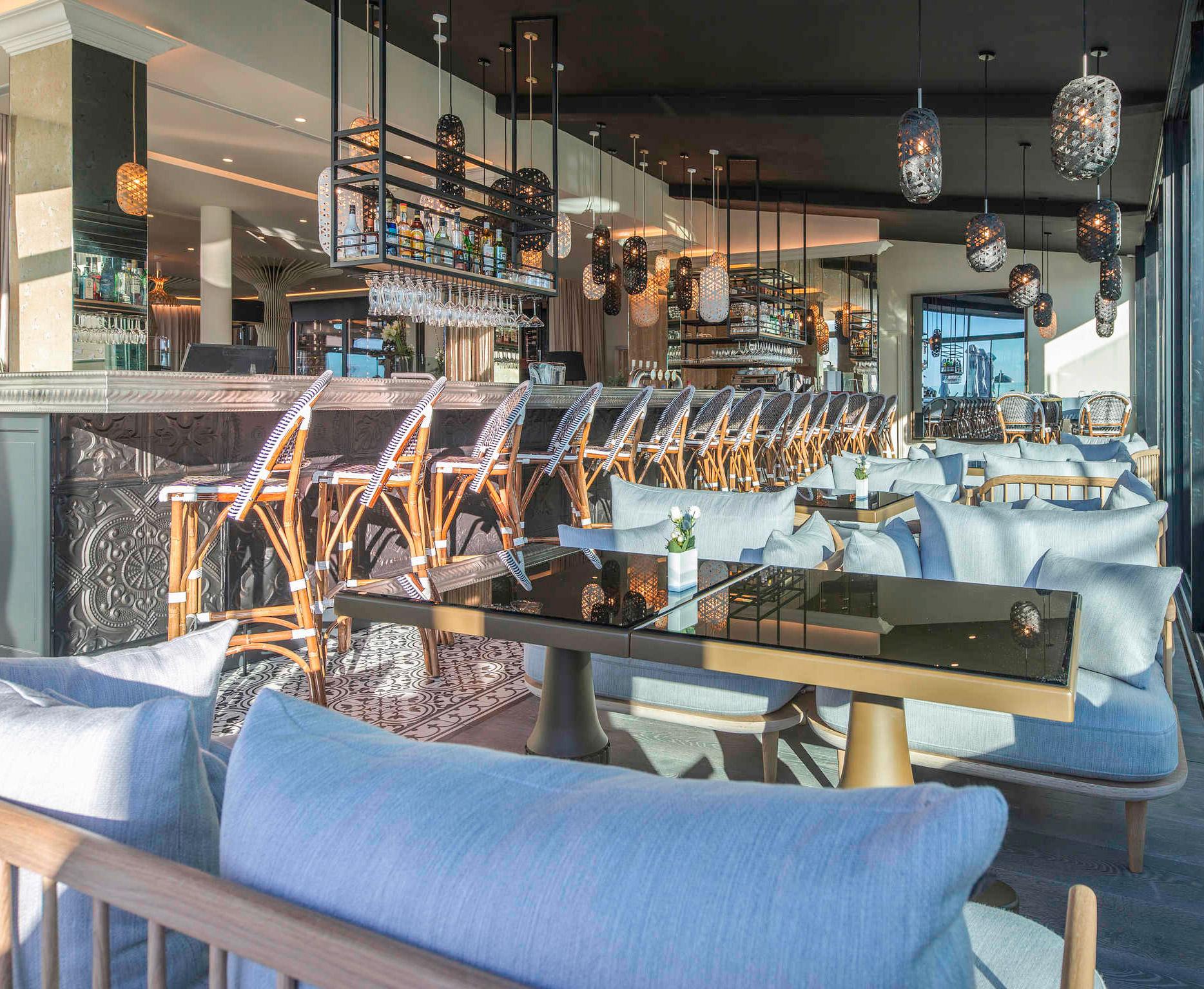 Aménagement, agencement et décoration de l'espace bar du restaurant Gaya par Option d'Intérieur