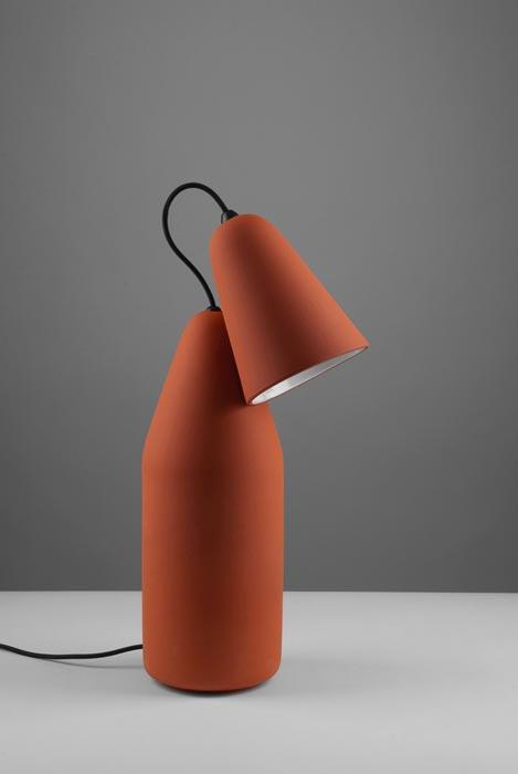 Lampe de chevet design de couleur terracotta