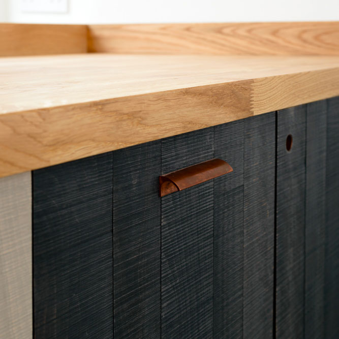 Portes de placard de cuisine en bois brûlé Shou Sugi Ban
