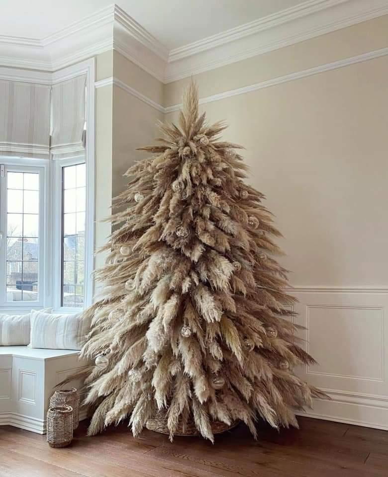 Sapin de Noël original entièrement en herbe de la pampa