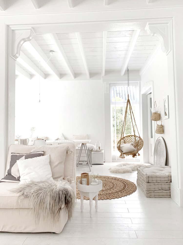 Une chambre cocooning blanche dans un style bohème