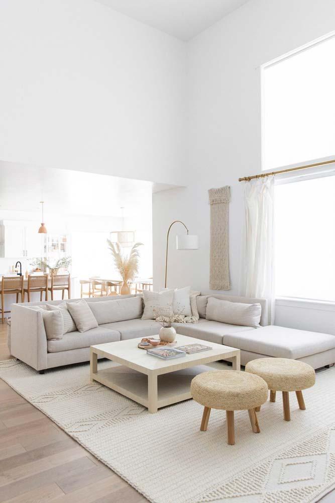 Un salon ethnique et scandicraft blanc