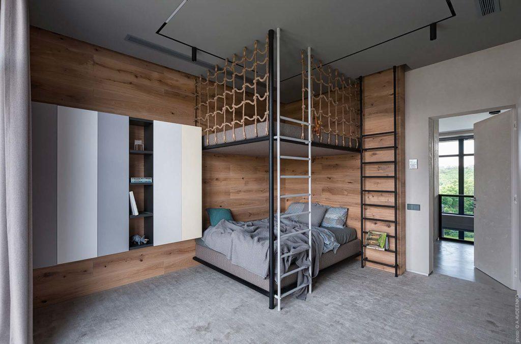 Chambre d'enfant moderne avec un lambris de bois horizontal
