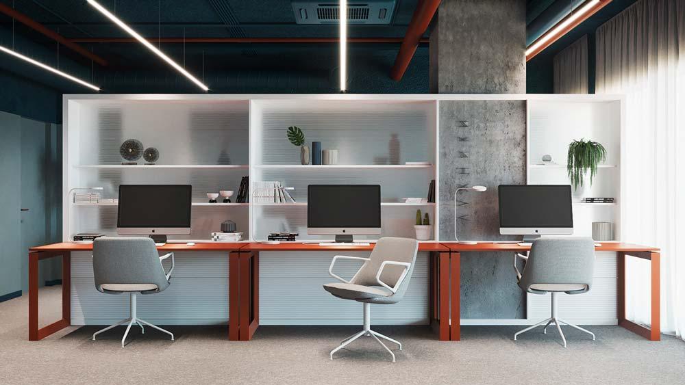 Des postes de travail personnels avec des étagères blanches pratiques à personnaliser