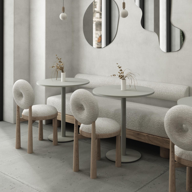 Le tube se retrouve en pieds de tables et de chaises, dossiers, vases et banquettes