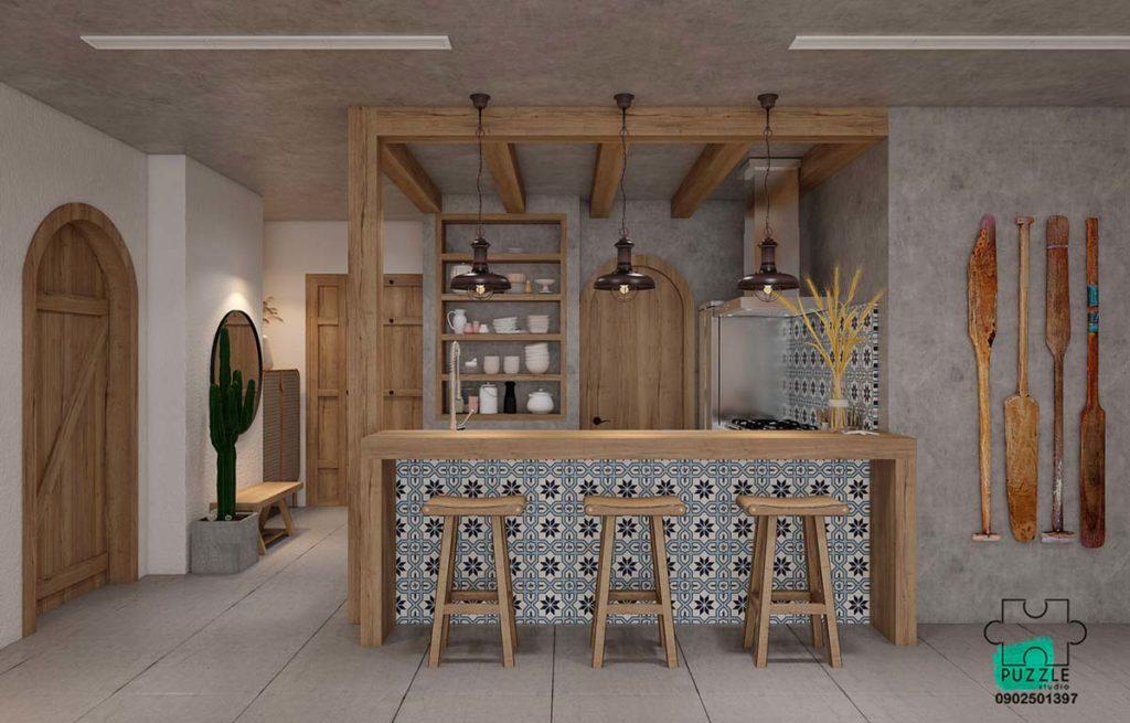 Une cuisine dans les tons gris avec des meubles en bois clair et de la déco en mosaïque blanche et bleue