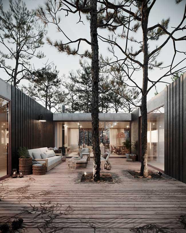 Un extérieur en bois associé à du mobilier de jardin simple et sobre pour une déco outdoor tendance