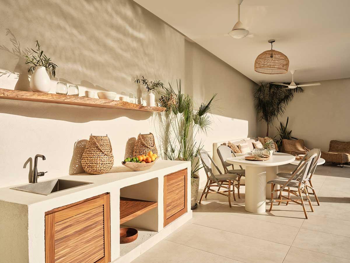 Le tadelakt orne nos terrasses et espaces extérieurs avec luminosité