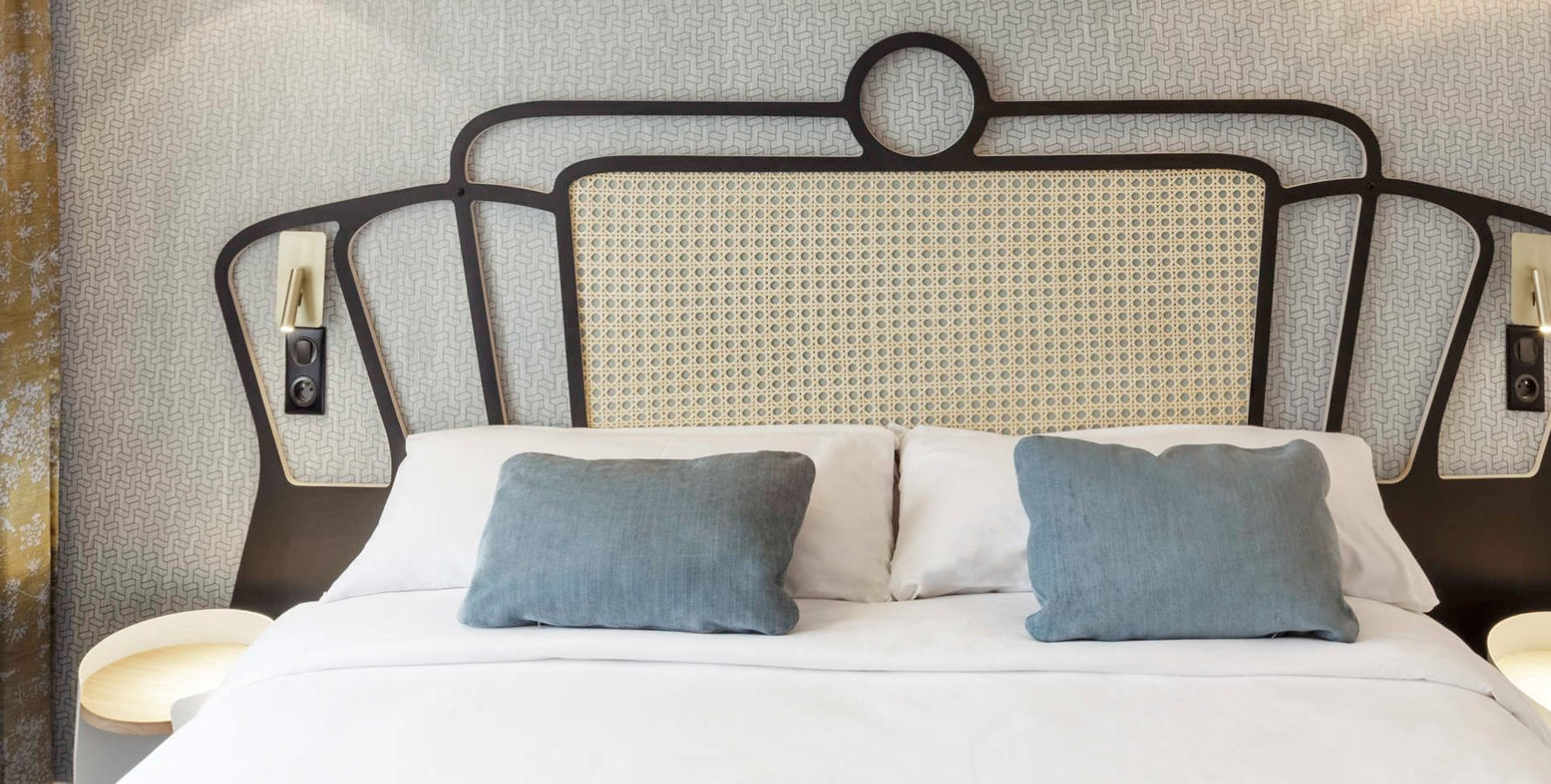 Tête de lit Louison en cannage dans un style champêtre chic